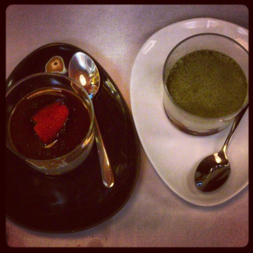 #sesame #pudding and #greentea #tiramisú at #tempuraya with #gf <3
