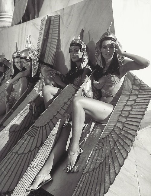 theswinginsixties:  Extras on the set of 'Cleopatra', 1963.