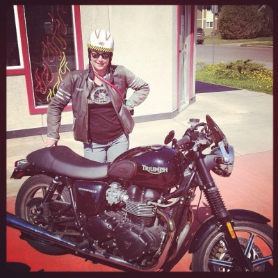 Triumph Tuesdays! Gina rode to work sporting her MotoLady Live to Ride shirt!