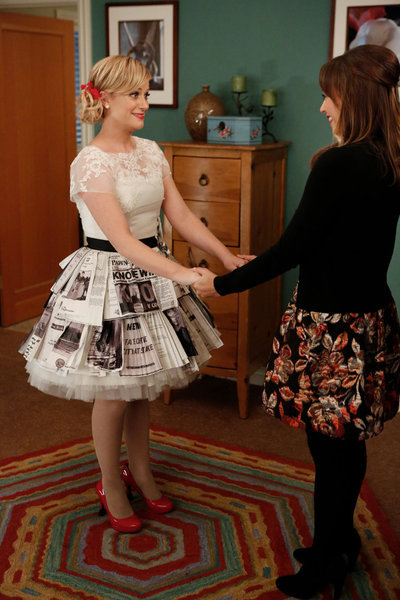 popgurlie:  Leslie and Ann, before the Parks and Recreation wedding. I love these two so much.