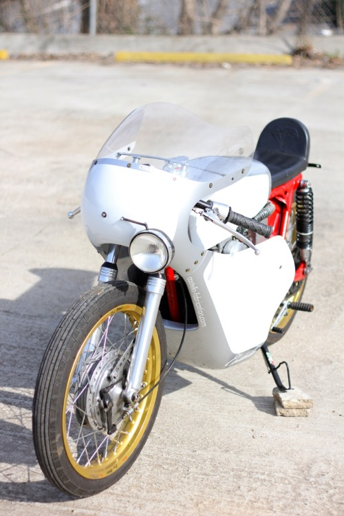 on ebay! http://cgi.ebay.com/ebaymotors/Honda-CL-1969-honda-cl175-racer-cafe-cl-175-cb-cb160-160-custom-racing-/281076575478?pt=US_motorcycles&hash=item4171782cf6#ht_534wt_1167