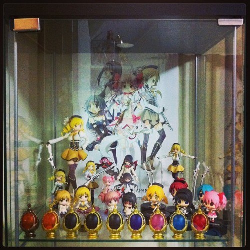 Slowly filling my new display cabinet.I'm not sure if I'll keep it this way since there is so much vertical space wasted since I don't have many tall figures & there's a lot more figures I would like to get in there. (I might try to add a shelf or something.)The display case was given to me by my friend, Hezachan, who I hope is having a good trip cross country. ♥♥♥