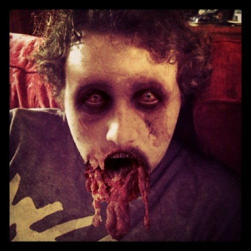 My boyfriend is a pretty zombie… #zombie #gore #undead #corpse #thewalkingdead #dead #blood