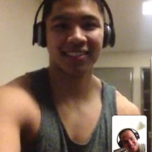 Finally used FaceTime for the first time ever with @dinostarrr XD!! #FamilyTime #FaceTime #Brothers #Love #Family #Memories #iPhonesia #Instagram #Instapic #Instagood #Instatags #Instagrammers #IGers #IGNation #iPhoneOnly #NoFilter #PicOfTheDay #2013
