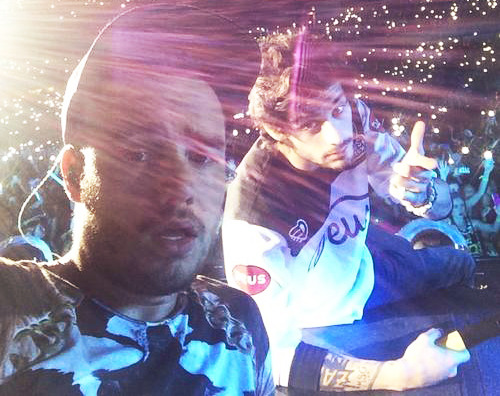 Ziam selfies are so important! (x/x)