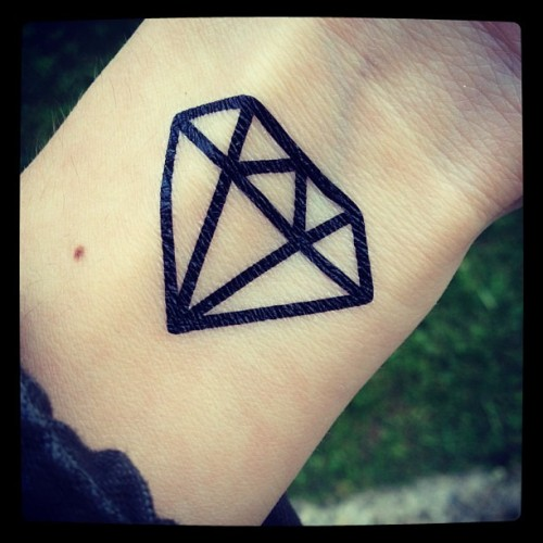 #dcer #tattoo #diamond available on http://dcer.eu