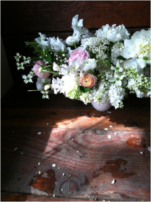 (via Flower Wild | Creative Direction and Floral Design by Kate Holt. Napa, Sonoma, Santa Barbara, and Los Angeles)