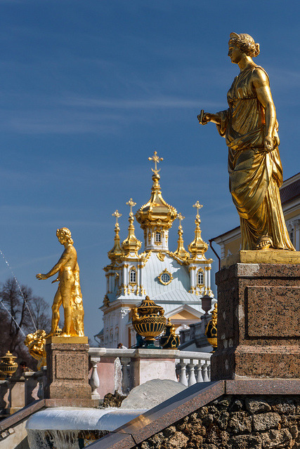 visitheworld:  In the gardens of Peterhof Palace, near St. Petersburg, Russia (by mym).