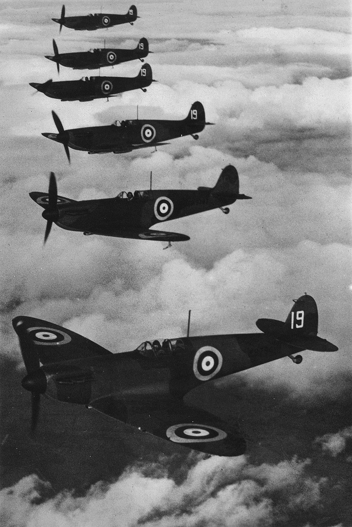 dearscience:  Fighter squadron in formation - The National Archives UK