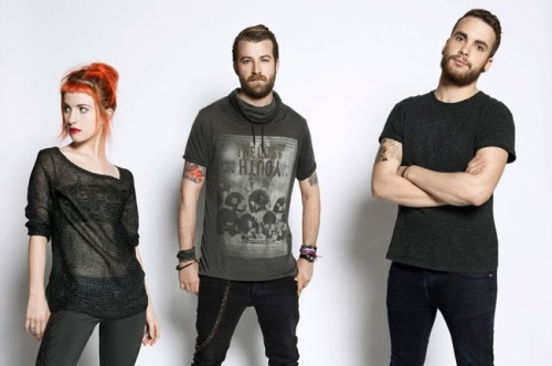 Paramore is aiming for its first No. 1 album on the Billboard 200 chart, as its new self-titled release could fend off Justin Timberlake and Brad Paisley to bow atop the list next week. Read more: http://blbrd.co/YqyLjC