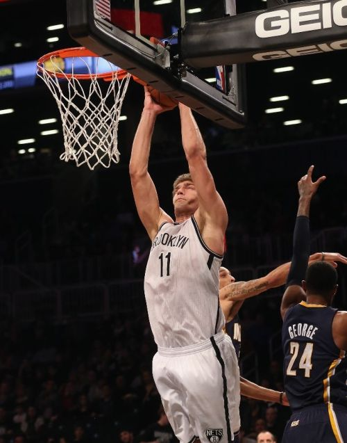 dunkface:  Two Points for Brook   derp