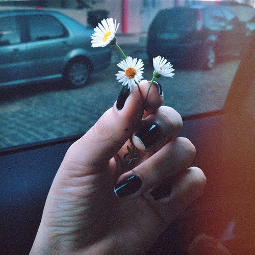держи меня за руку скачать музыку