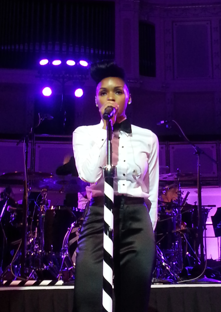 The booty don't lie.  Janelle Monae with the Chicago Symphony Orchestra. Absolutely perfect. Can't believe how these galaxy III photos turned out.
