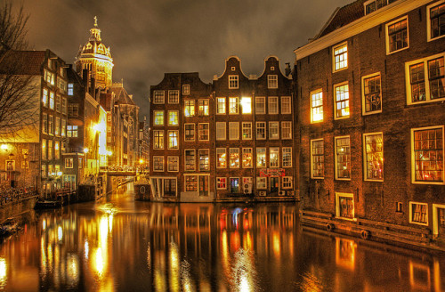 authenticroses:  Amsterdam_HDR by [Roy] on Flickr.