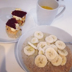 A partially healthy breakfast this morning..  (at Garden Apartment Newquay)