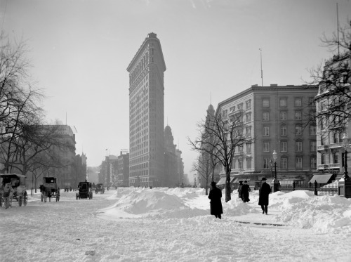 archimaps:  Burnham's Flatiron (Fuller) Building in 1905, New York City  Records Burby