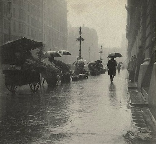 Harold Cazneaux Martin Place, wet day, 1910-1920