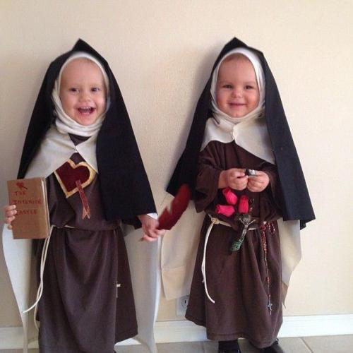catholicninja:  Mini Teresa of Avila and Therese!  awh! these will be like my little Catholic children XD