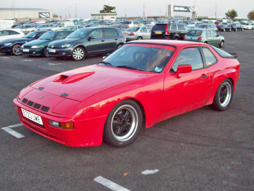 Pain and gain Starring: '87 Porsche 924 GT (by robertknight16)
