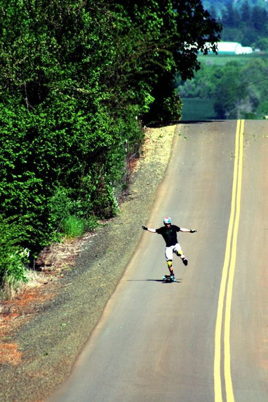 livelifedownhill:  Seismic team rider Brandon Desjarlais can 1 foot manual for days! Can you?  Brandon also rides for G-Form - check out his edit dropping tomorrow at http://youtube.com/gformLLC ! A nice lil hang 5 in there for good measure. -MG