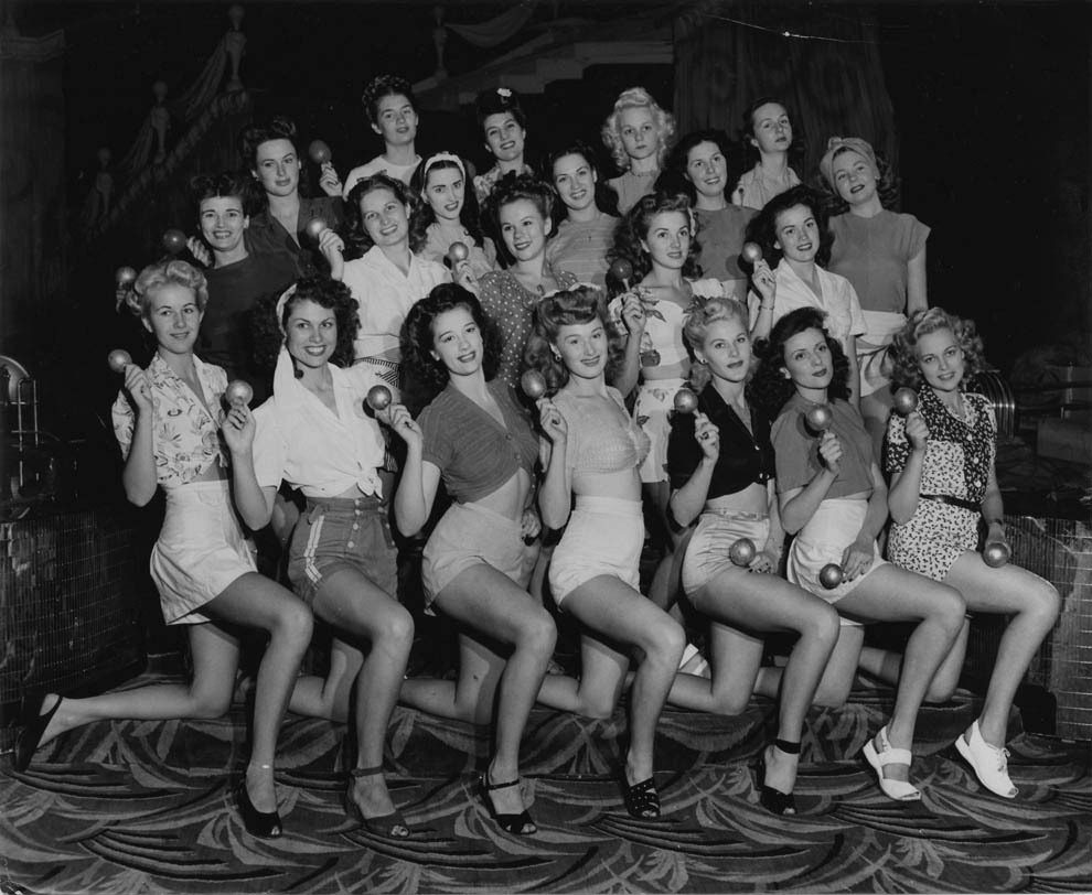 retrogirly:  1940s Showgirls Photography by Joseph Jasgur
