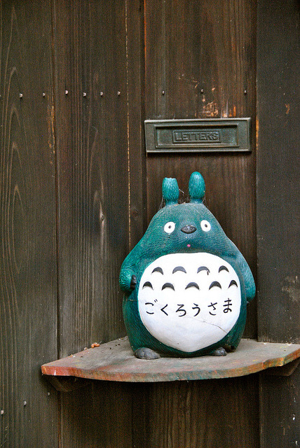 japanlove:  Totoro greeting by RocketpackPhoto on Flickr.