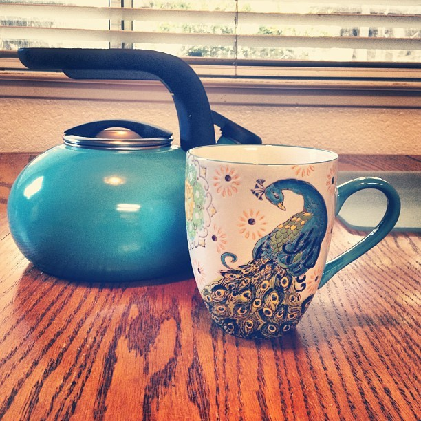 unskinny:  New teapot and mug. #tea #peacock