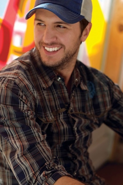 cammdoser:  This man.  <3 <3 <3 Ladies love country boys.