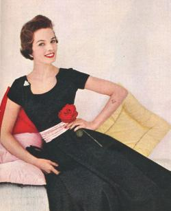 theniftyfifties:  1950s dress fashion.
