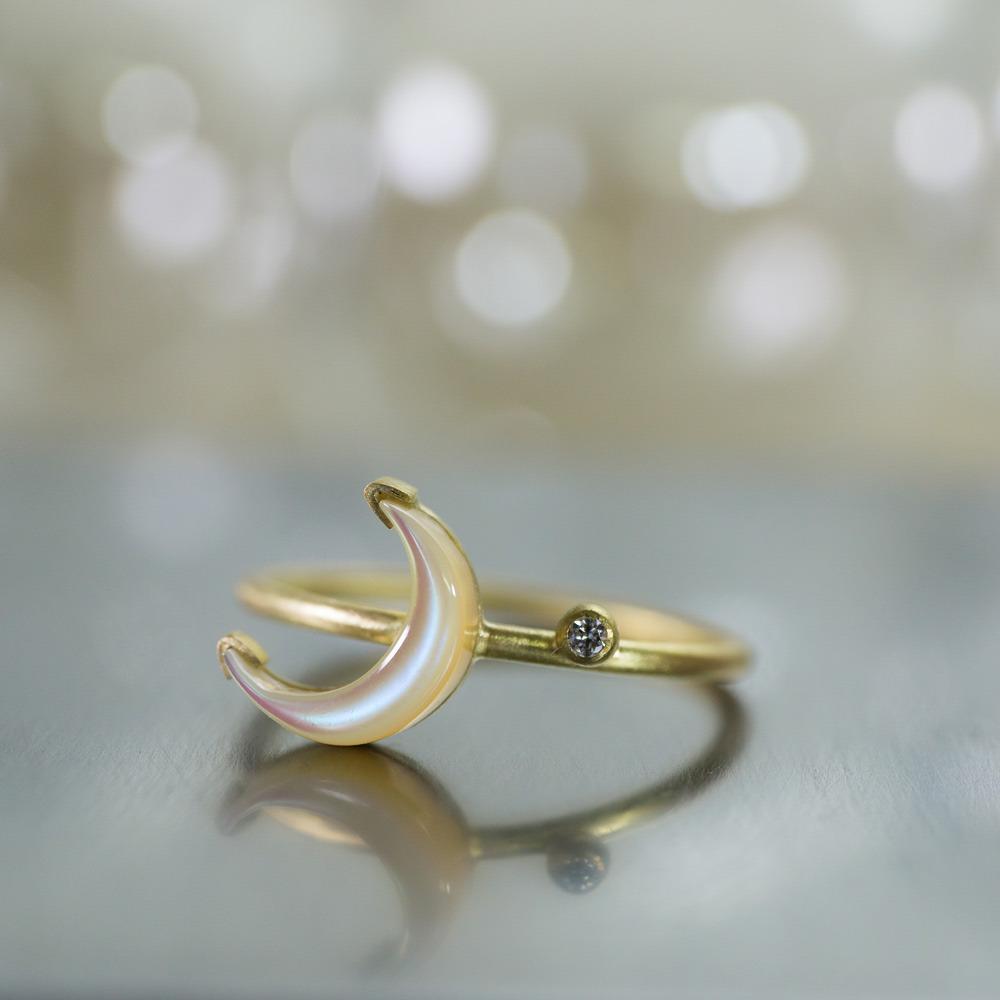 月の指輪 屋久島の夜光貝、ゴールド オーダーメイドで作るジュエリー