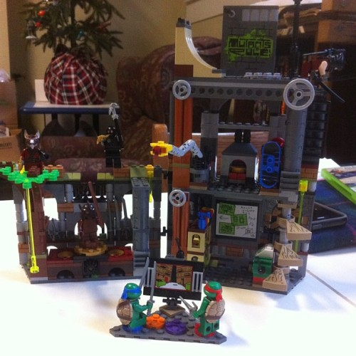 twentyearstomidnight:  TMNT Legos for the win (at Fort N.Y.A.D)