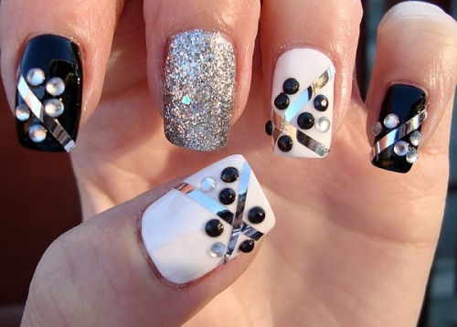 Fun nail art design by Claudia C.!