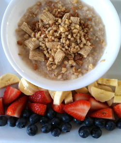 it-only-makesmestronger:  Breakfast: oatmeal, shredded wheat, toasted whole wheat berry flakes & flaxseed, finely crushed walnuts, banana, strawberries, & blueberries