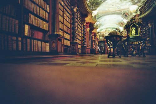 baroque library clementinum by Florian Amoser on Flickr.