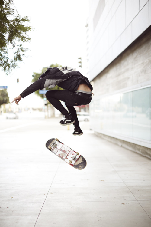 meowitsivy:  meowitsivy:  Check out my blog? Urban&Skate