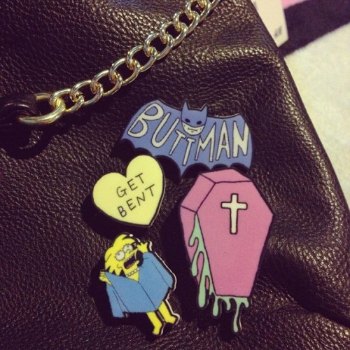 ladyfett:  Decorating a new purse with some of my favorite pins #YippyWhippy