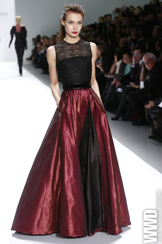 womensweardaily:  Carmen Marc Valvo RTW Fall 2013