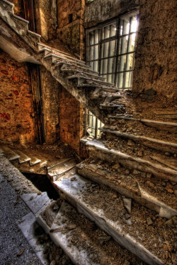 daxxxx:  abandonedography:Abandoned Xenia hotel on Mt. Parnitha by ~ouzo-portokali