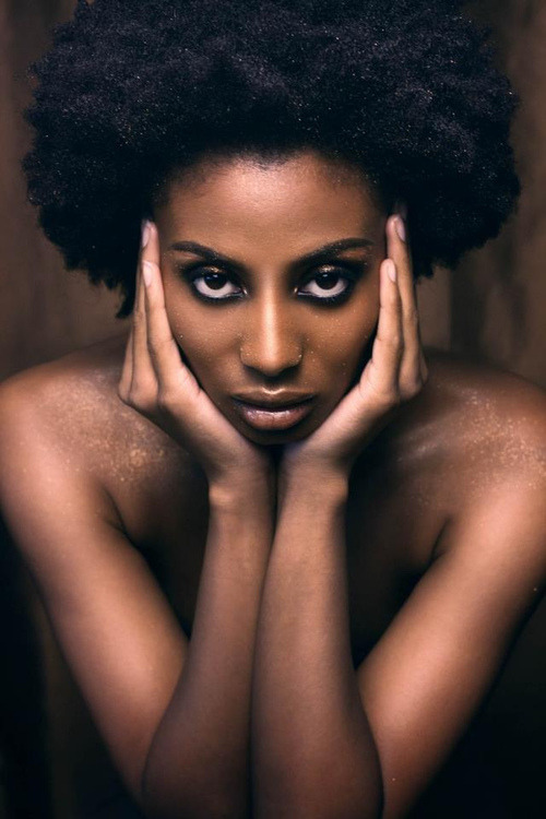 We love Afros!!! Sidi Beauty   Reblog this if you love afros  #Hair envy