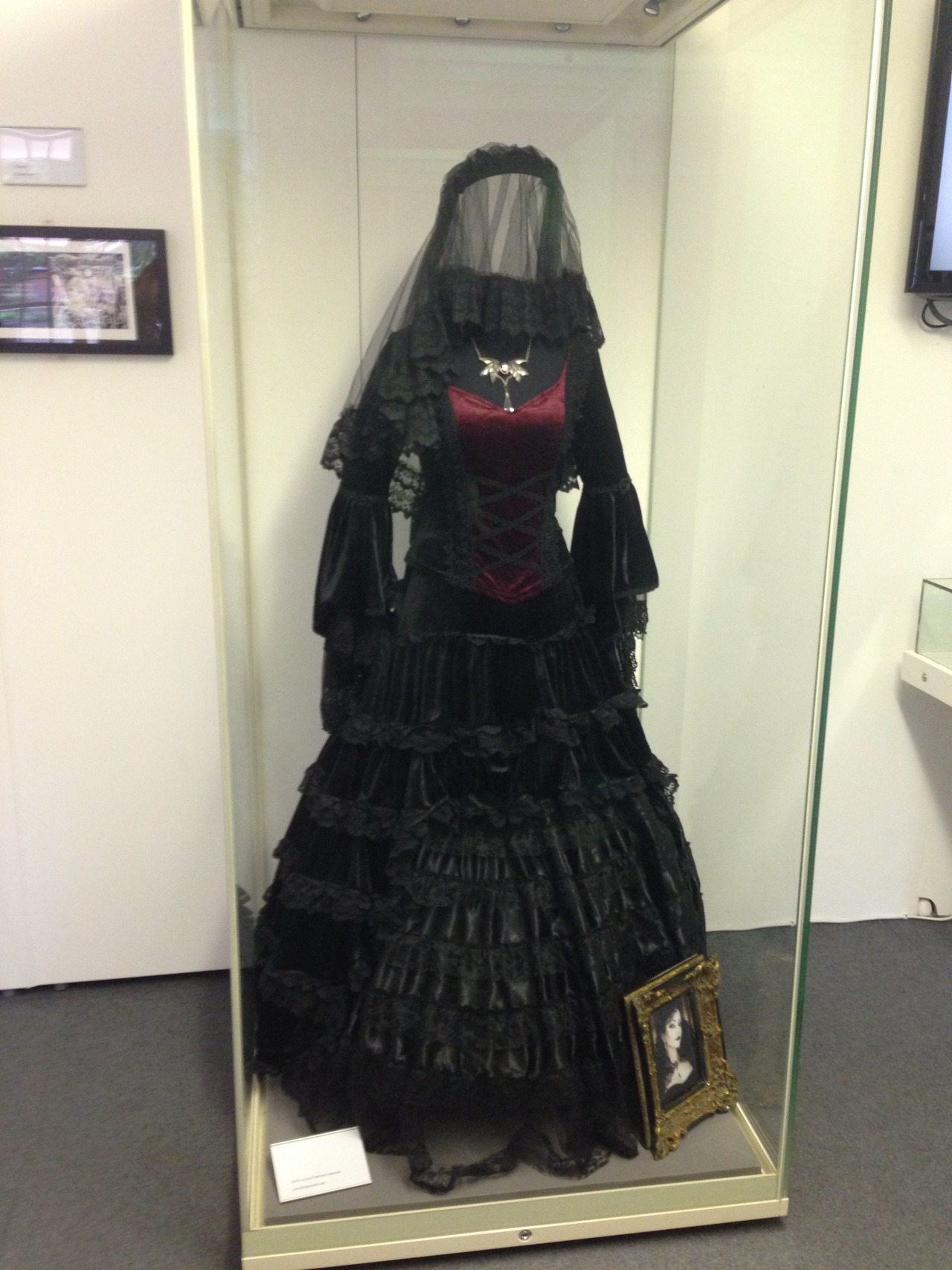 samaelandlilith:  At the weekend, I went to the 'This Is Goth' exhibition at the Museum of St Albans for World Goth Day (22nd May). It was smaller than I expected but still really good! The highlight was seeing one of the pieces from the amazing Lady Amaranth's private collection; it's stunning…
