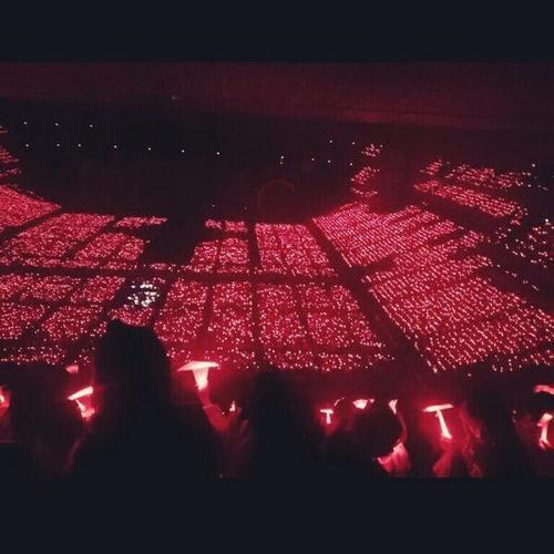 feaivy:  Red Ocean ao beautiful
