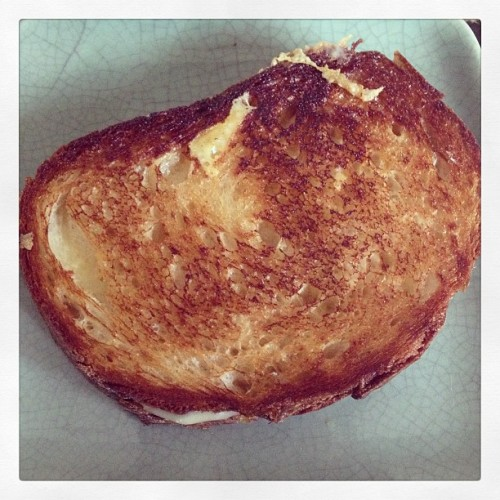 Nothing beats a homemade grilled cheese for lunch. Nothing. #food #beecherscheese