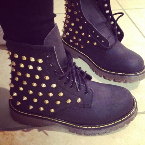 bl-ossomed:  I want these shoes soo badly where can you get them from omg