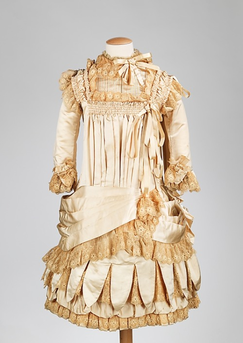 omgthatdress:  Girl's Dress 1885 The Metropolitan Museum of Art