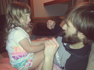 hopelesshyperboles:  Daddy/Daughter secret handshake! I'm so in love with these two! Ughhh the cuteness. Dead.