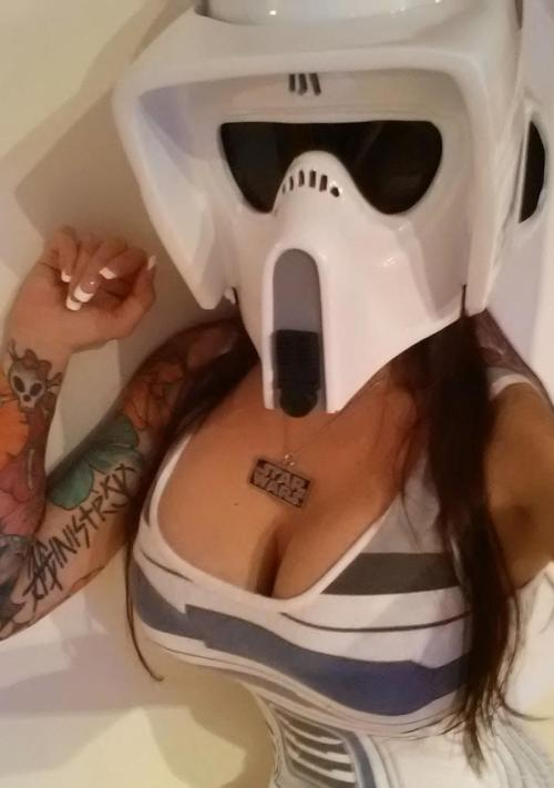 sluttystormtroopers:  naomi-vonkreeps:  My new Biker Scout bucket! http://www.facebook.com/naomivonkreeps  We don't see these enough!