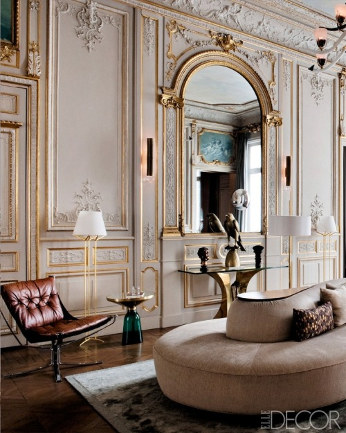 Currently Loving: A Modern Paris Apartment See more interior design inspiration at the blog.
