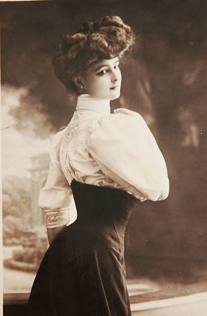 indigoasmodel:   belle époque portrait by april-mo on Flickr.