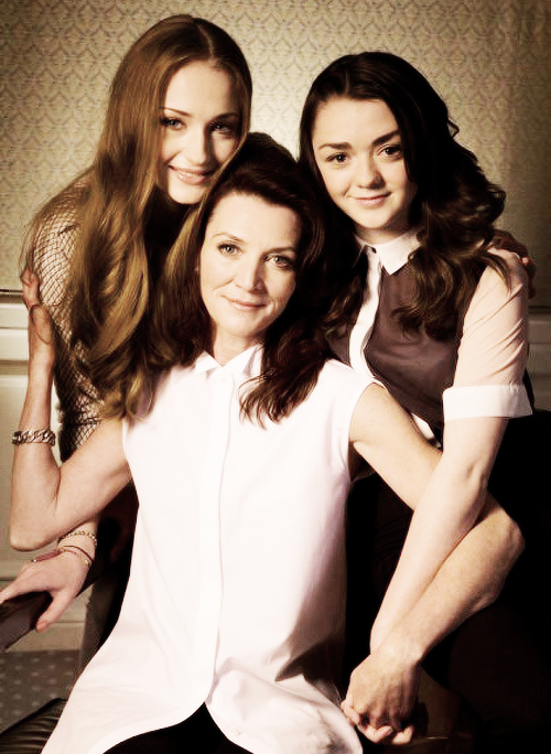 stark-queen:  Maisie Williams, Michelle Fairley, and Sophie Turner for LA Times (x)