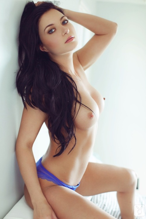 iluvbillyelliot:  pretty girl  shes hot